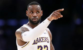 LeBron James s'en prend aux coaches du circuit AAU