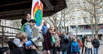 L'Australie mobilise Youth for Climate, place d'Armes