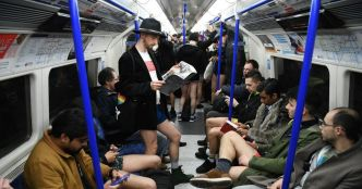 """No trousers day"" : à Londres, ils ont pris le métro sans pantalon"