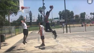 Quand Derrick Jones Jr posterisait un amateur sur un playground de Los Angeles