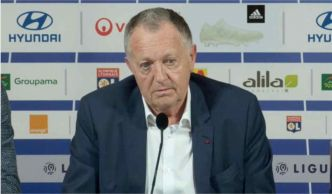 Lorient - OL : Aulas tape du poing sur la table !
