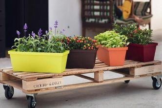 DIY Outdoor Plant Stand Ideas : Top 30+ - 4 Simple Technique