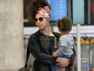 Alicia Keys sans maquillage à Paris! - NRJ.fr