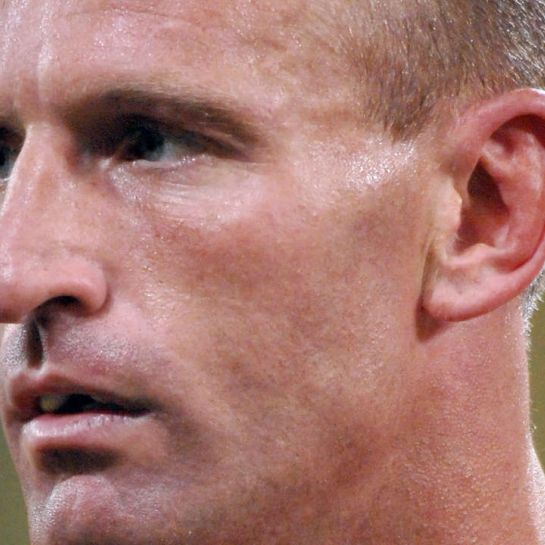Rugby : le Gallois Gareth Thomas, victime d'une agression homophobe