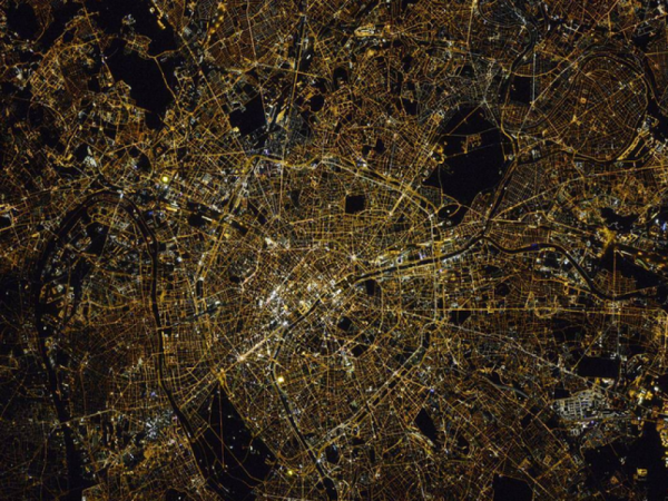 Paris by night, version Thomas Pesquet