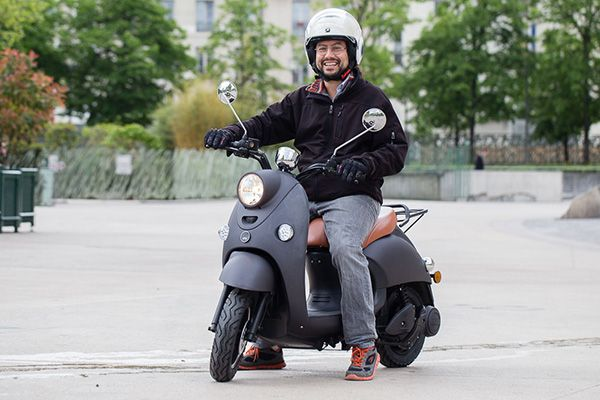 On (Mag) a pris en main : le Scooter électrique UNU